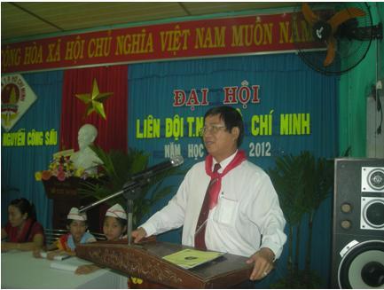 Liên đội trường TH Nguyễn Công Sáu rộn ràng trong ngày Đại hội Năm học 2011-2
